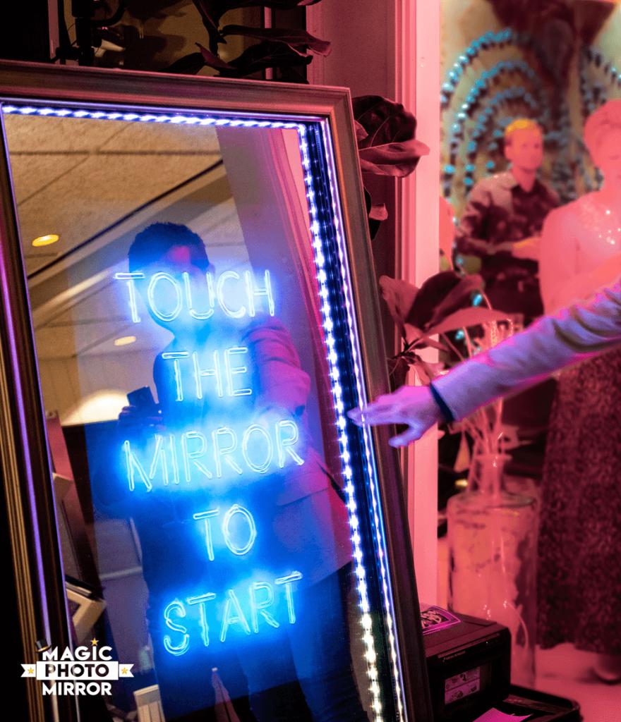 Hyra fotobås Magic Mirror
